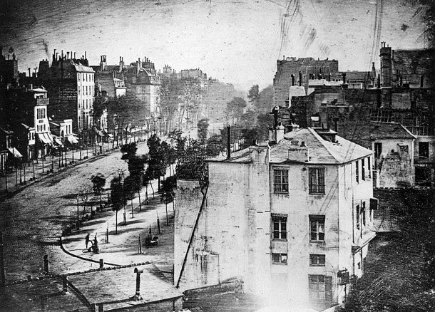 Old photo of Pairs 1838 Daguerre